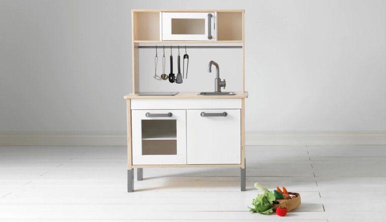 Ikea Duktig Play Kitchen | Ikea Hack | tiffanieanne.com