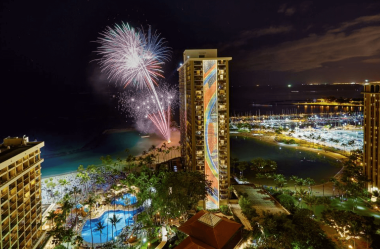 Hilton Hawaiian Village Fireworks _ Aulani - Best Things to do in Hawaii Oahu Waikiki - Kid Toddler Friendly - tiffanieanne.com