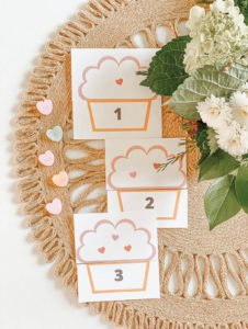 Cupcake Number Matching - FREE PRINTABLES for teachers - learning activities for kids, preschool, and toddler - counting numbers - tiffanieanne.com