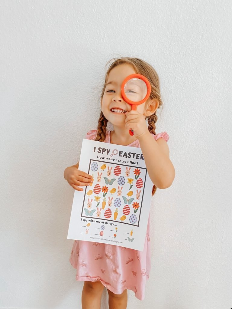 I Spy Easter Game-Free Printable-Toddler Activities-Activity-for-Kids-Easter-Crafts-Detective-Magnifying-Glass-tiffanieanne.com 1