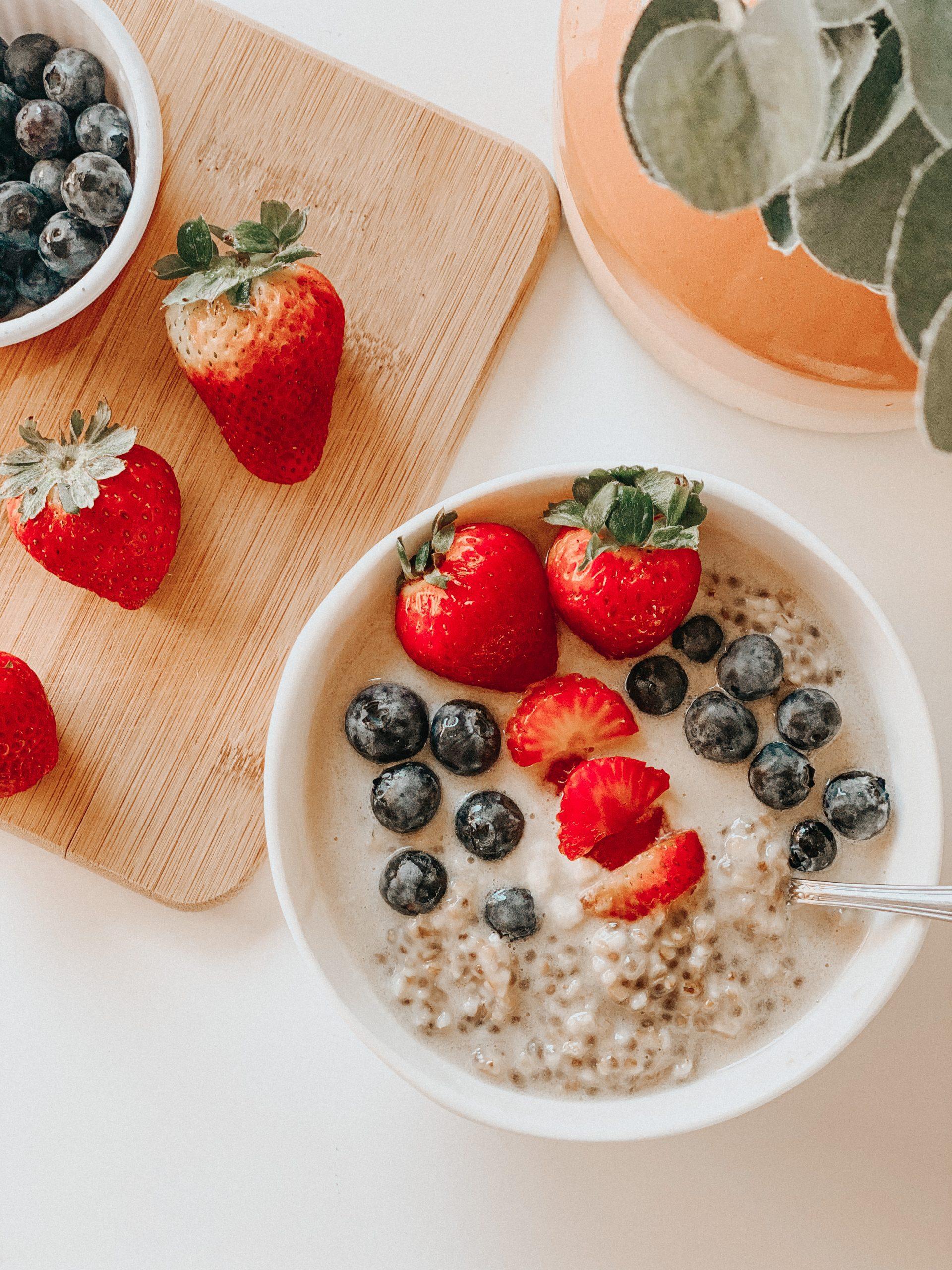 Berries and Cream Oatmeal | Dairy Free Vegan | Recovery Protein Lactation Oatmeal Breastfeeding Mama Recipes | Congee | Breastfeeding Tips | Lactation Cookie Alternative | tiffanieanne.com