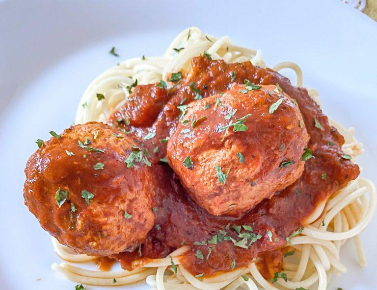 Best Homemade Italian Meatballs | Spaghetti and Meatballs | Grandma Bird | tiffanieanne.com