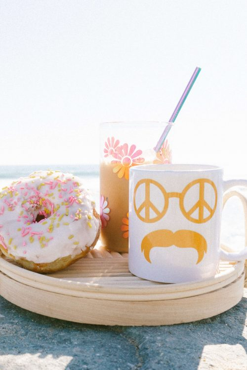 DIY Groovy Retro Coffee Mugs + Cups! <br> Made with Cricut