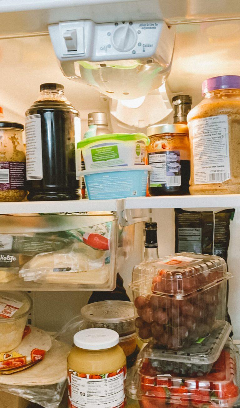 Organize-Fridge-Storage-Clean-Rubbermaid-Brilliance-Glass-Containers-tiffanieanne.com