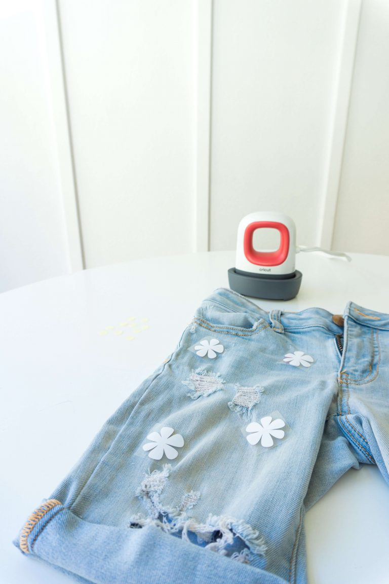 Upcycle-jeans-clothes-rework-cricut-retro-tiffanieanne-5