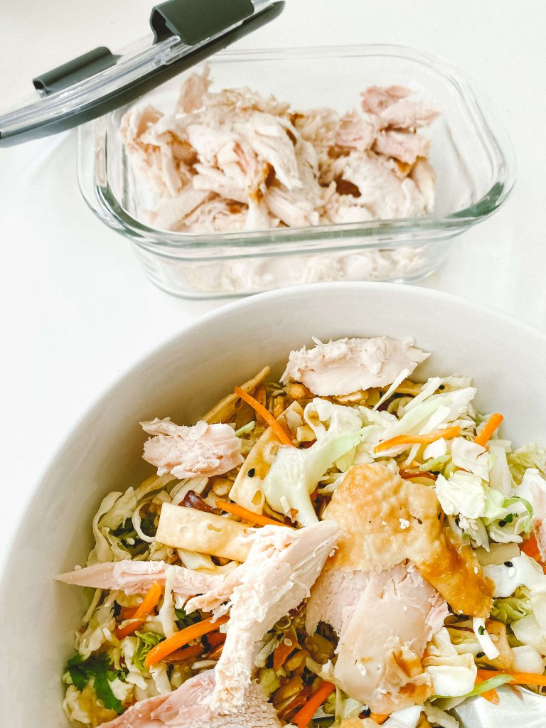 leftovers-rotisserie-chicken-asian-chicken-salad-rubbermaid-glass-container